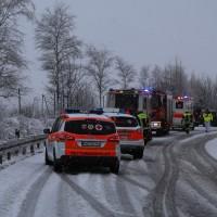 31-01-2016_Unterallgäu_Westerheim_Erkheim_Unfall_Schneeglaette_Feuerwehr_Poeppel_new-facts-eu_mm-zeitung-online_006