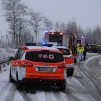 31-01-2016_Unterallgäu_Westerheim_Erkheim_Unfall_Schneeglaette_Feuerwehr_Poeppel_new-facts-eu_mm-zeitung-online_007
