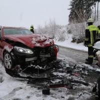 31-01-2016_Unterallgäu_Westerheim_Erkheim_Unfall_Schneeglaette_Feuerwehr_Poeppel_new-facts-eu_mm-zeitung-online_018