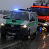 31-01-2016_Unterallgaeu_Woerishofen_Unfall_Pkw-Baum_Feuerwehr_Poeppel_new-facts-eu_mm-zeitung-online_025
