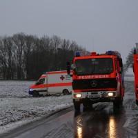 31-01-2016_Unterallgaeu_Woerishofen_Unfall_Pkw-Baum_Feuerwehr_Poeppel_new-facts-eu_mm-zeitung-online_028