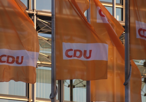 CDU-Flaggen, über dts Nachrichtenagentur