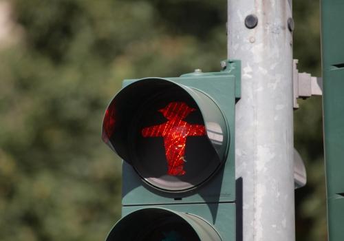 Rote Fußgängerampel, über dts Nachrichtenagentur