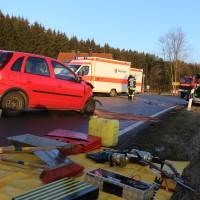 22-02-2016_B300_Unterallgaeu_Babenhausen_Unfall_Feuerwehr_Poeppel_new-facts-eu_mm-zeitung-online020