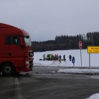25-02-2016_BY_unterallgaeu_Lachen_Unfall_Feuerwehr_Poeppel_new-facts-eu_mm-zeitung-online006