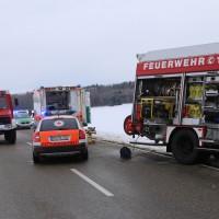 25-02-2016_BY_unterallgaeu_Lachen_Unfall_Feuerwehr_Poeppel_new-facts-eu_mm-zeitung-online016