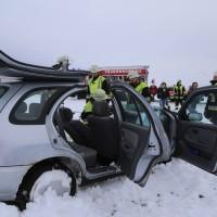 25-02-2016_BY_unterallgaeu_Lachen_Unfall_Feuerwehr_Poeppel_new-facts-eu_mm-zeitung-online033
