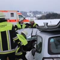 25-02-2016_BY_unterallgaeu_Lachen_Unfall_Feuerwehr_Poeppel_new-facts-eu_mm-zeitung-online036