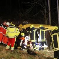 26-02-2016_A7_Altenstadt_Dettingen_Unfall_Feuerwehr_Poeppel_new-facts-eu012