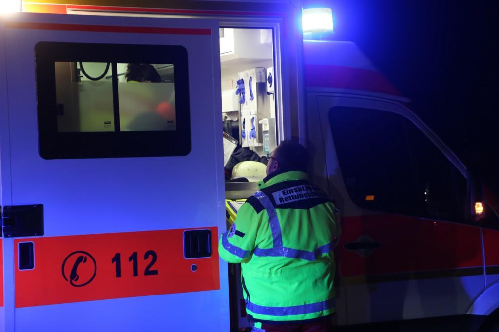 26-02-2016_A7_Altenstadt_Dettingen_Unfall_Feuerwehr_Poeppel_new-facts-eu015