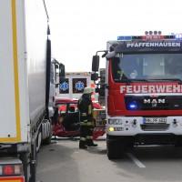 08-03-2016_Unterallgaeu_Pfaffenhausen_Unfall_Lkw-Pkw_Feuerwehr_Poeppel_new-facts-eu024