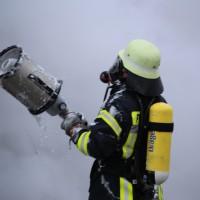 16-03-2016_Memmingen_Volkratshofen_Lkw-Brand_Feuerwehr_Poeppel_new-facts-eu013