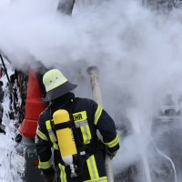 16-03-2016_Memmingen_Volkratshofen_Lkw-Brand_Feuerwehr_Poeppel_new-facts-eu017