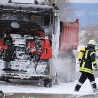 16-03-2016_Memmingen_Volkratshofen_Lkw-Brand_Feuerwehr_Poeppel_new-facts-eu026