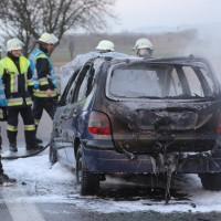 22-03-2016_A96_Erkheim_Holzguenz_Pkw-Brand_Feuerwehr_Poeppel_new-facts-eu007