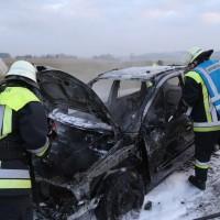 22-03-2016_A96_Erkheim_Holzguenz_Pkw-Brand_Feuerwehr_Poeppel_new-facts-eu011