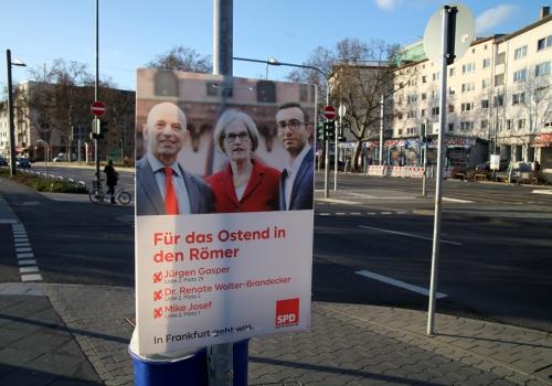 Wahlplakate in Frankfurt 2016, über dts Nachrichtenagentur