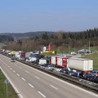 04-04-2016_BAB_A96_Erkehim_Stetten_Mindelheim_BMA-Kohlbergtunnel_Baustelle_Stau_Feuerwehr_Poppel20160404_0013