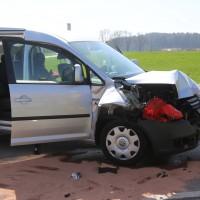 04-04-2016_Unterallgaeu_Groenenbach_UNfall_Abschleppwagen_Pkw_Polizei_Feuerwehr_Poppel20160404_0010