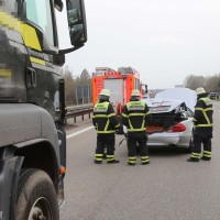 05-04-2016_A7_Berkheim_Memmimgen_Unfall_Lkw_2PKW-Feuerwehr_Poeppel20160405_0006