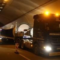 08-04-2016_A96_Erkheim_Stetten_Kohlbergtunnel_Schwertransporte_stecken_fest_Polizei_Poeppel20160408_0113