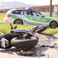 11-04-2016_Unterallgaeu_Ottobeuren_Motorrad_Pkw_Feuerwehr_Poeppel20160411_0004