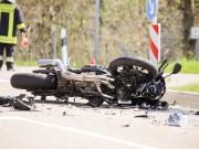 11-04-2016_Unterallgaeu_Ottobeuren_Motorrad_Pkw_Feuerwehr_Poeppel20160411_0009-2