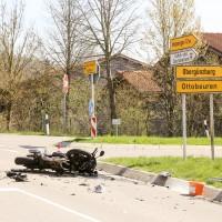 11-04-2016_Unterallgaeu_Ottobeuren_Motorrad_Pkw_Feuerwehr_Poeppel20160411_0028