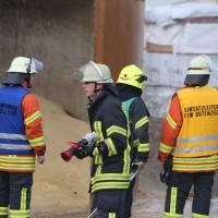 19-04-2016_Biberach_Gutenzell_Brand_Silo_Saegemehl_Feuerwehr_Poeppel20160419_0009