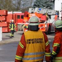 19-04-2016_Biberach_Gutenzell_Brand_Silo_Saegemehl_Feuerwehr_Poeppel20160419_0042