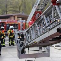 19-04-2016_Biberach_Gutenzell_Brand_Silo_Saegemehl_Feuerwehr_Poeppel20160419_0086
