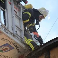 19-04-2016_Biberach_Gutenzell_Brand_Silo_Saegemehl_Feuerwehr_Poeppel20160419_0091