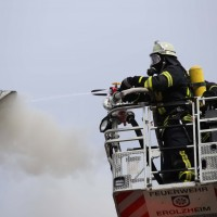 19-04-2016_Biberach_Gutenzell_Brand_Silo_Saegemehl_Feuerwehr_Poeppel20160419_0114