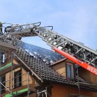 21-04-2016_Biberach_Großbrand_Gebaeude_Feuerwehr_Poeppel20160421_0002