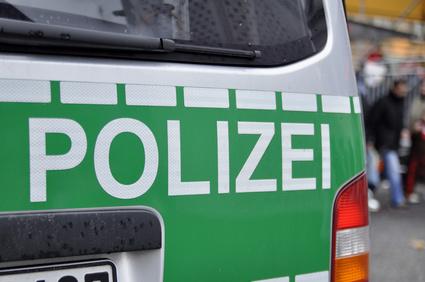 Polizei Polizist Polizeifahrzeug Streifenwagen Police