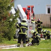 11-05-2016_Memmingen_Hart_Brand_Bauernhof_Feuerwehr_Poeppel_0009