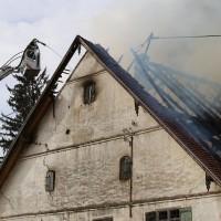 11-05-2016_Memmingen_Hart_Brand_Bauernhof_Feuerwehr_Poeppel_0033