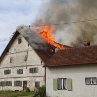 11-05-2016_Memmingen_Hart_Brand_Bauernhof_Feuerwehr_Poeppel_0053