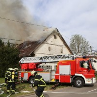 11-05-2016_Memmingen_Hart_Brand_Bauernhof_Feuerwehr_Poeppel_0055
