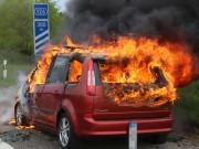14-05-2016_A7_Berkheim_Dettingen_Pkw-Brand_Feuerwehr_Poeppel_0006