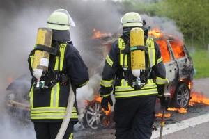 14-05-2016_A7_Berkheim_Dettingen_Pkw-Brand_Feuerwehr_Poeppel_0015
