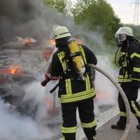 14-05-2016_A7_Berkheim_Dettingen_Pkw-Brand_Feuerwehr_Poeppel_0017