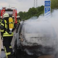 14-05-2016_A7_Berkheim_Dettingen_Pkw-Brand_Feuerwehr_Poeppel_0037