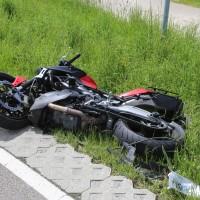 20-05-2016_Guenzburg_Kettershausen_Motorrad-Unfall-Feuerwehr_Polizei_Poeppel_0005