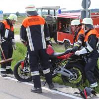 20-05-2016_Guenzburg_Kettershausen_Motorrad-Unfall-Feuerwehr_Polizei_Poeppel_0019