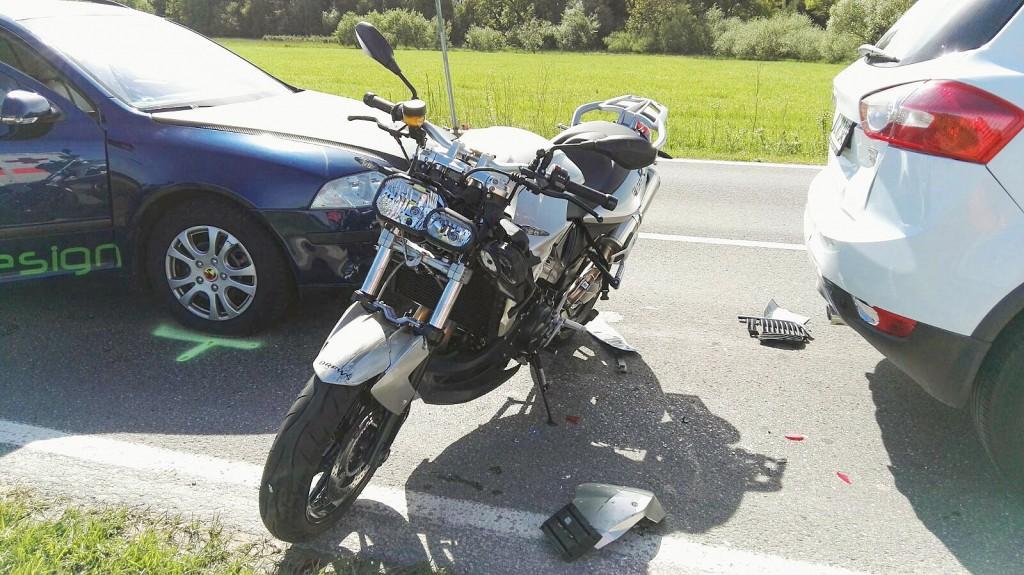 21-05-2016_Schlingen_Pforzen_Auffahrunfall_Pkw-Motorrad_01