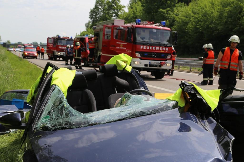 27-05-2016_A7_Voheringen_Unfall_Feuerwehr_Poeppel_0009