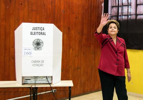 Dilma Rousseff bei der Stimmabgabe, Marcelo Camargo/Agência Brasil, Lizenztext: dts-news.de/cc-by