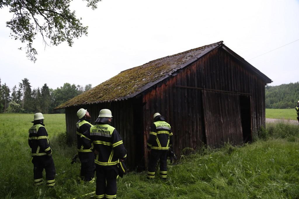 11-06-2016_Memmingen_Kardorf_Brand-Scheune_Feuerwehr_Poeppel0008