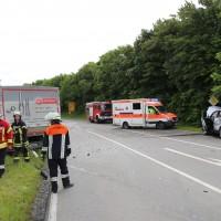21-06-2016_Unterallgaeu_Ottobeuren_Unfall_Pkw-Lkw-Feuerwehr_Poeppel_0001